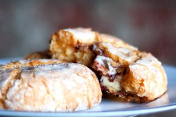 Raspberry Gooey Butter Cookie