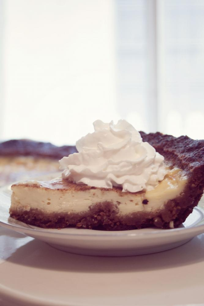 Impress Your Guests - Make a Pie Crust from Cookies!